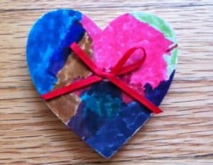 Wood painted heart kids can make for Valentine's day.